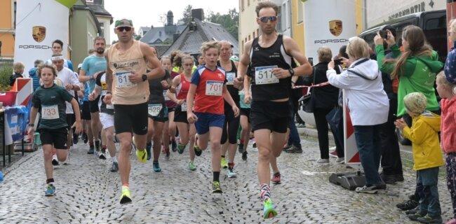 Über annähernd 200 Starter von Jung bis Alt freuten sich die Organisatoren des Schwarzenberger Edelweißlaufs.