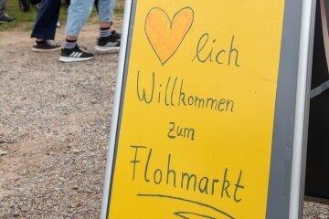 Zum zweiten Mal fand am Sonntag in Noßwitz ein Flohmarkt statt, der wieder zahlreiche Besucher anlockte.