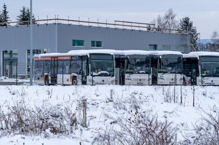 Sparkurs: Bis 90 Minuten Warten auf Schulbusse