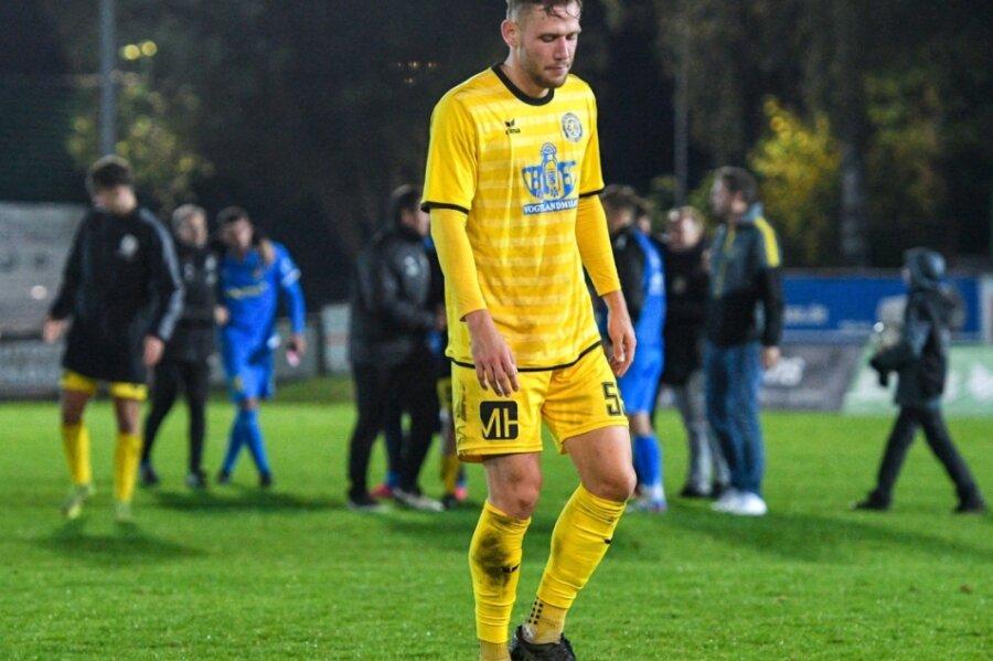 Johann Weiß - im Foto frustriert von der Niederlage gegen Lok Leipzig - fehlte beim BFC Dynamo verletzt. Ob er am Mittwoch gegen Lichtenberg wieder einsatzfähig ist, steht noch nicht fest.