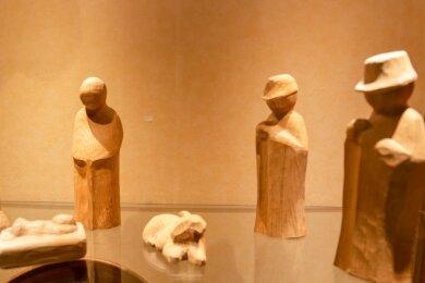 Arbeiten aus fünf Jahrzehnten aus der Werkstatt von Holzbildhauermeister Helmut Schubert aus Königswalde sind in der aktuellen Kabinettausstellung im Erzgebirgsmuseum in Annaberg-Buchholz zu sehen.