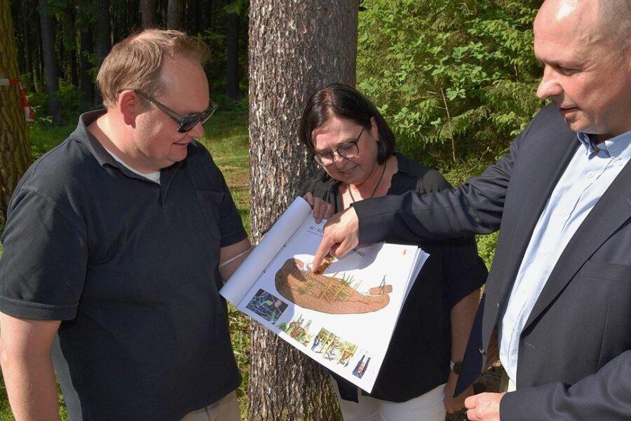 """Voller Vorfreude auf das """"Elsterweltchen"""" ist das Chursachsen-Führungstrio Stephan Seitz, Heike Schlack und Florian Merz (v. links)."""