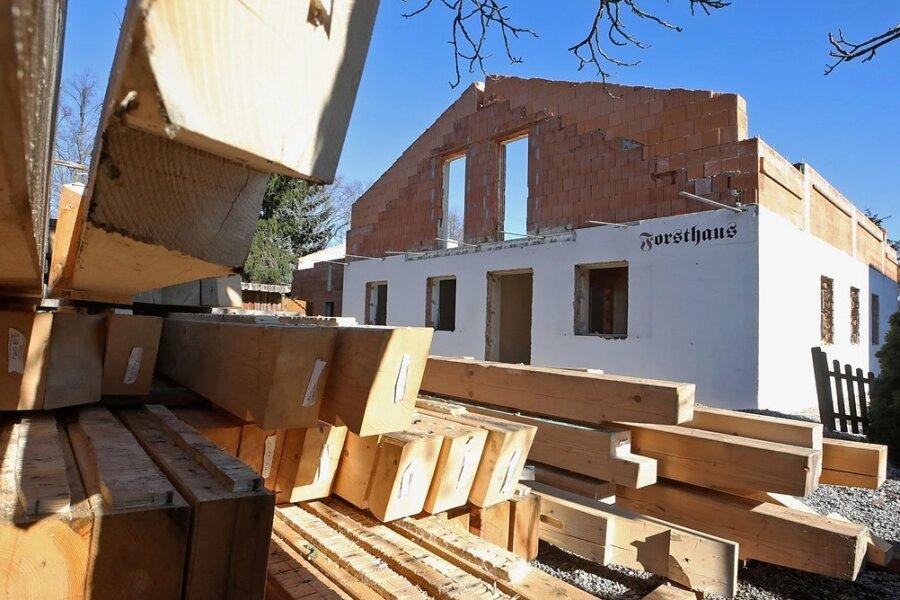 Am Forsthaus Glauchau laufen derzeit größere Umbauarbeiten. Der Betreiber plante um.