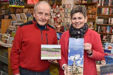 Gleich zwei Kalender bringen Hans und Kathrin Jakob aus Schöneck für das Jahr 2021 an den Start.