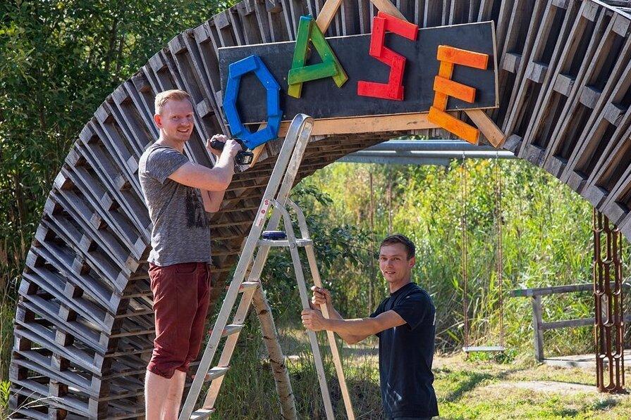 Nick Oelsch (rechts) und Frank Hauptmannl gehören zum Team der Klanggruben-Macher. Foto: Markus Pfeifer