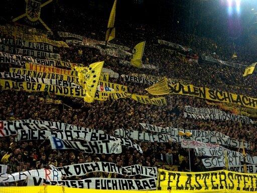 Die Südtribüne in Dortmund soll für ein Spiel gesperrt werden.