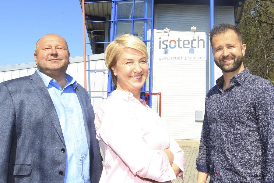 Klaus, Steffi und Christoph Büttner (von links) stehen hier stellvertretend für die Preisträger-Mannschaft der Plauener Firma Isotech.