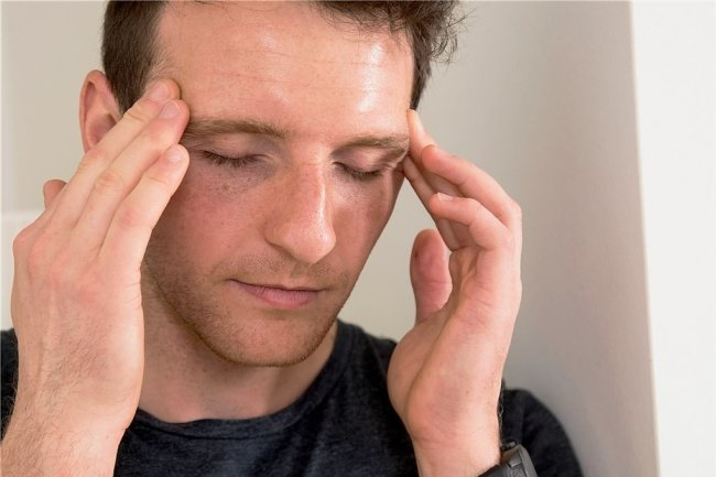 Besonders häufig und lästig: Kopfschmerzen.
