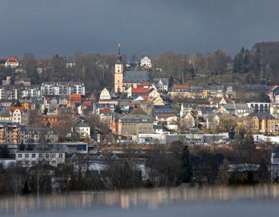 Hohenstein-Ernstthal hat nicht nur eine direkte Bahnverbindung nach Chemnitz. Auch im Bereich der Industriegeschichte teilen beide Städte eine Menge. Jetzt will man sich noch näher kommen.