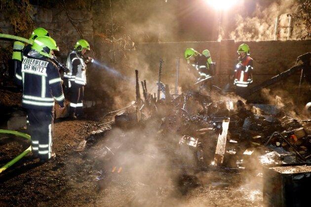 Der Brand brach in einer Laube an der Elsasser Straße in Chemnitz aus.