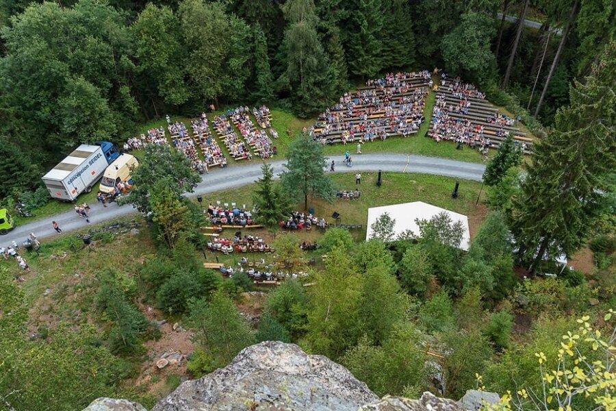 Auch einen Gottesdienst wollen die Beerheider in diesem Jahr wieder am Röthelstein organisieren. Sie hoffen, dass der Zuspruch am 29. August ähnlich groß wird, wie das im Bild im Jahr 2019 war.