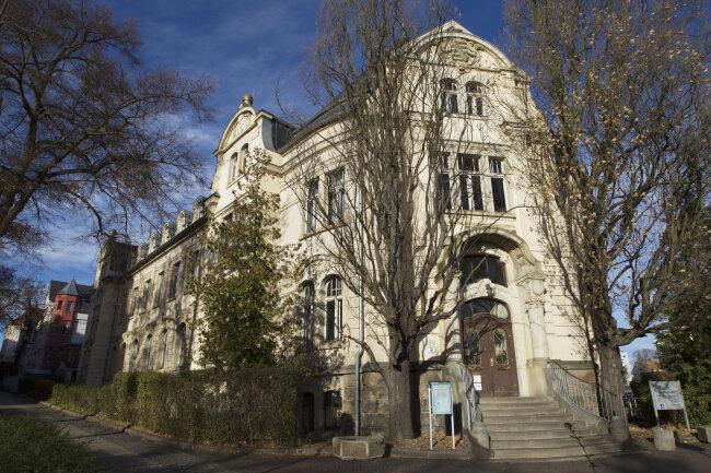 Das alte Landratsamt an der Neundorfer Straße 94-96 in Plauen.