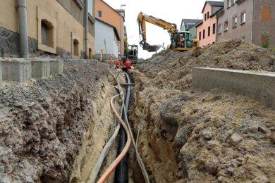 Die Glauchauer Landstraße bleibt noch bis Ende November eine Baustelle. Das Bauprojekt kostet 2,4 Millionen Euro.