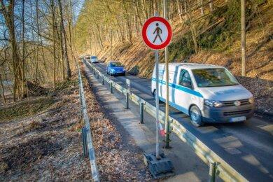 Seit mehr als 14 Jahren ist die B 180 zwischen Erdmannsdorf und Kunnersdorf auf eine Fahrspur eingeengt. Berufspendler brauchen mitunter starke Nerven. Der Ausbau soll nun in diesem Jahr starten.
