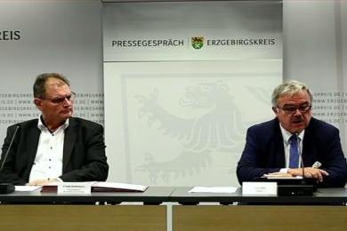 Abteilungsleiter Reißmann und Landrat Vogel beim Pressegespräch am Montagmittag.