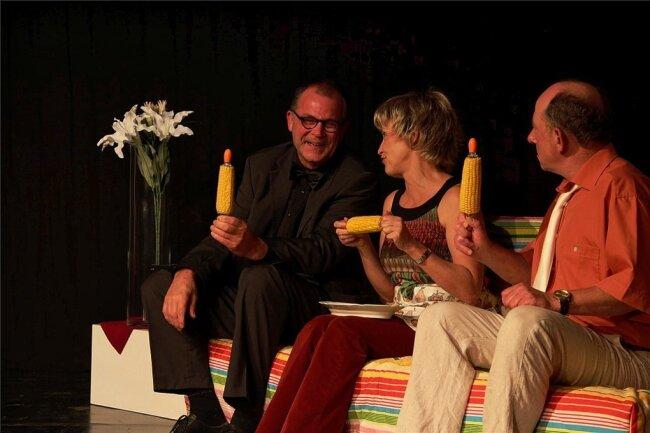 """Andreas Unglaub, Anna Silke Röder und Ronald Kuste (von links) bei der Premiere von """"Trennung frei Haus""""."""