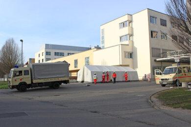 Die Ambulanz wurde am gestrigen Montag aufgebaut, heute öffnet sie.