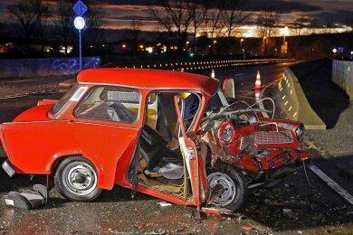 So sah der Trabant nach dem Unfall am 3. Februar aus. Die Staatsanwaltschaft hat das Verfahren gegen den Passat-Fahrer, der die Vorfahrt nicht beachtet hat, eingestellt.