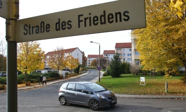 Im Lichtensteiner Wohngebiet an der Straße des Friedens schlug der Täter mehrfach zu.