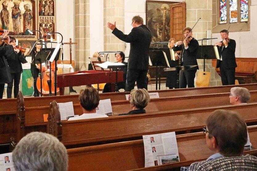Die Vogtland-Philharmonie Greiz-Reichenbach gastierte am Sonntagabend in der Crimmitschauer St.-Laurentius-Kirche.