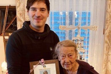 Margit Kermes hat am 1.1. ihren 100. Geburtstag gefeiert.