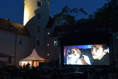 Im vergangenen Jahr wurden die Filmnächte im Schloßhof unter strengen Hygienebedingungen durchgeführt. Sie sind auch zu den Sommernächten in diesem Jahr geplant.