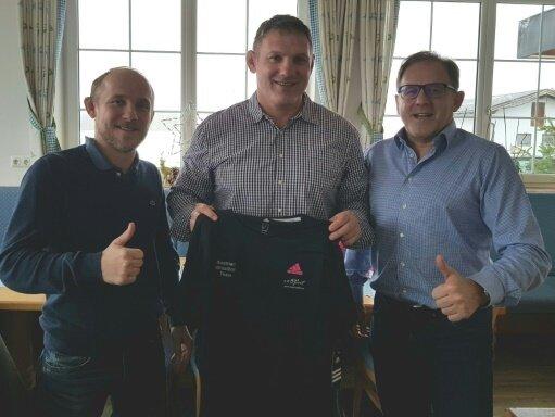 Thiele (Mitte) wird Ringer-Trainer in Österreich