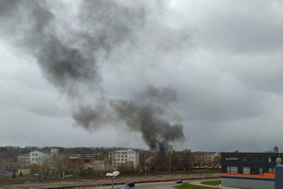 Chemnitz: Garagenbrand sorgt für Rauchsäule