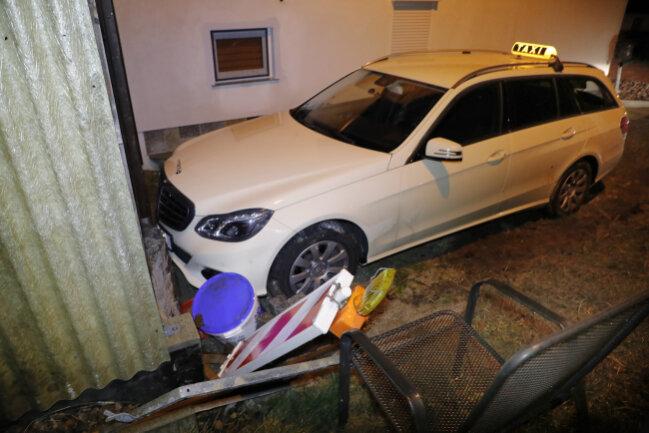 Die Flucht mit dem gestohlenen Taxi endete in Draisdorf.