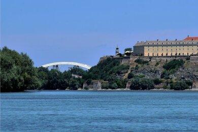 Die Festung Petrovaradin ist das Wahrzeichen von Novi Sad und eine Stadt in der Stadt. Im Inneren gibt es ein Tunnelsystem mit 16 Kilometern Länge.