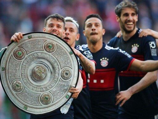 Bayern München feiert in Augsburg die 28. Meisterschaft