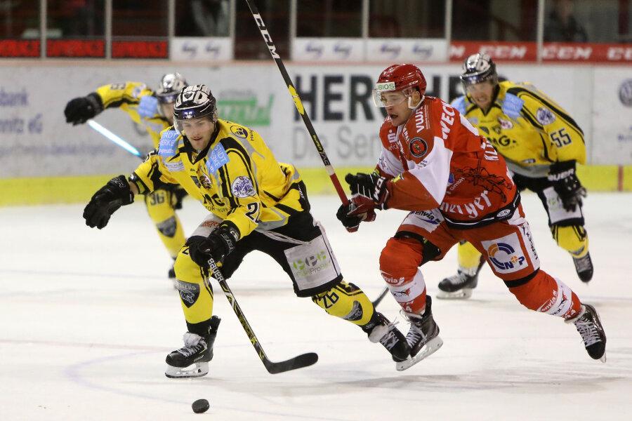 Patrick Klöpper (ETC) kann Timo Gams nicht halten.