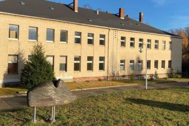 Das sogenannte Bäderhaus am Concordiaplatz. Ursprünglich war von Abriss die Rede - nun wird nach Ideen für eine mittelfristige Sanierung und Nutzung des historischen Gebäudes gesucht.