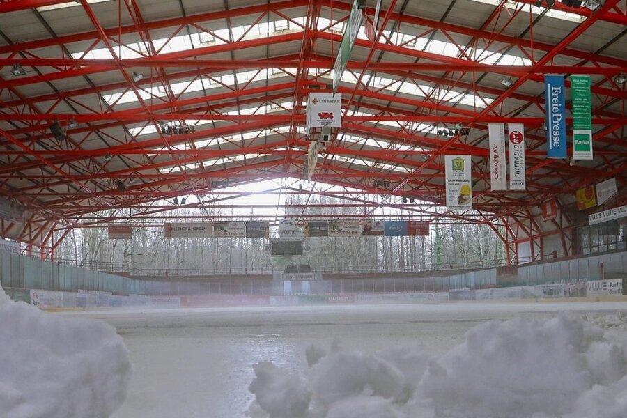 So sah es 2020 oft im Kunsteisstadion aus: Wenn nicht gerade die Eispiraten-Profis trainierten, herrschte gähnende Leere.