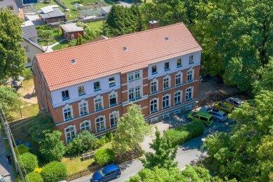 Die Grundschule Oberlosa liegt idyllisch im Grünen. Doch die Anmeldezahlen sind zu gering.