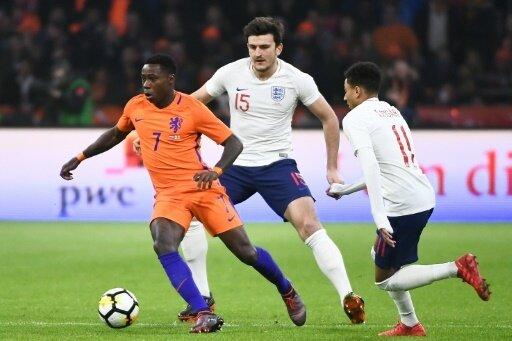 Promes (l.) erzielte den Ausgleich für die Niederlande