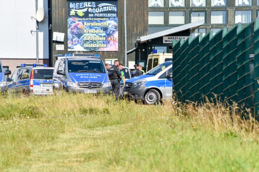 Polizei und Rettungsdienst üben Einsatz bei Amok-Lage an Eliteschule in Oberwiesenthal