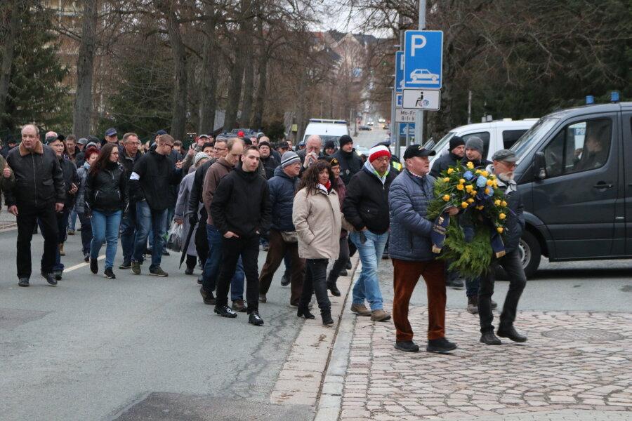 Etwa 100 Teilnehmer bei Pro-Chemnitz-Demo