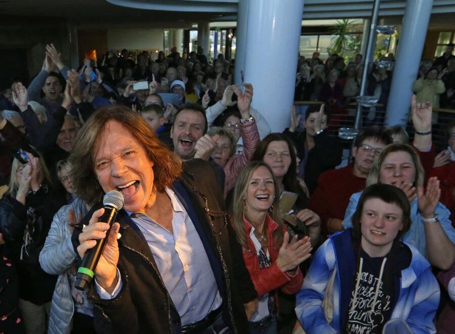 Jürgen Drews feiert mit Fans sein neues Album