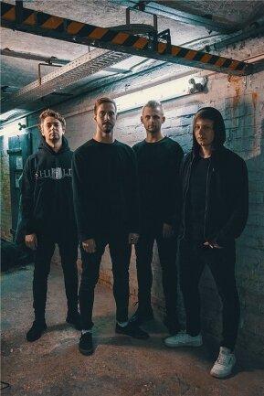 Basser Norbert Rose, Sänger Rudi Schwarzer, Drummer Nico Vaeen und Gitarrist/Sänger Christoph Wieczorek (v. l.) sind Annisokay.