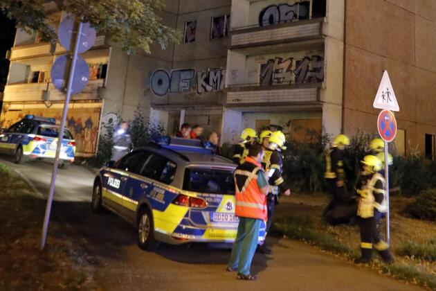 Feuerwehreinsatz: Jugendliche auf Hochhausdach
