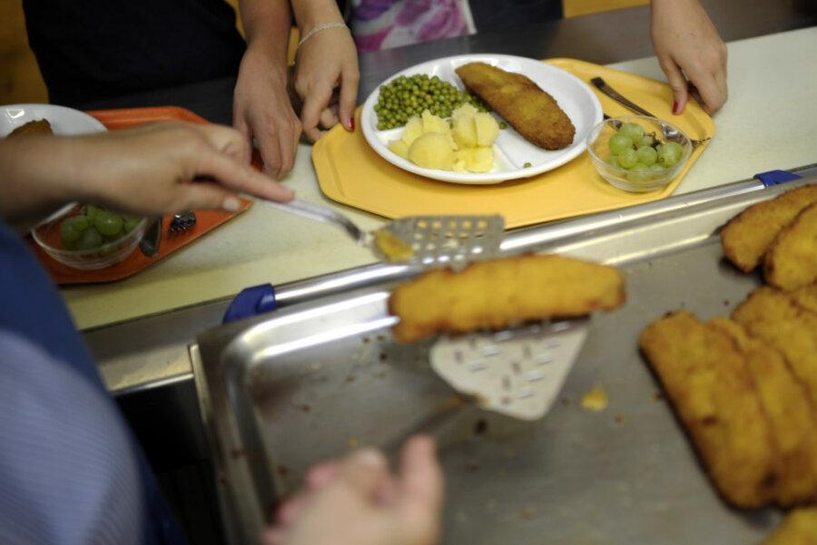 Schul-Essen: Ärger um Hilfszahlung an Caterer