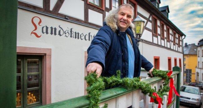 """Von 11 bis 18 Uhr gibt es am Wochenende bei Maik Hunger am """"Landsknecht"""" in Augustusburg Heißgetränke und Suppe zum Mitnehmen."""
