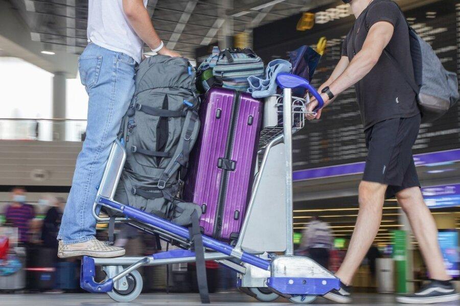 Newsblog Corona: Wann kommt die Corona-Testpflicht beim Einreisen?