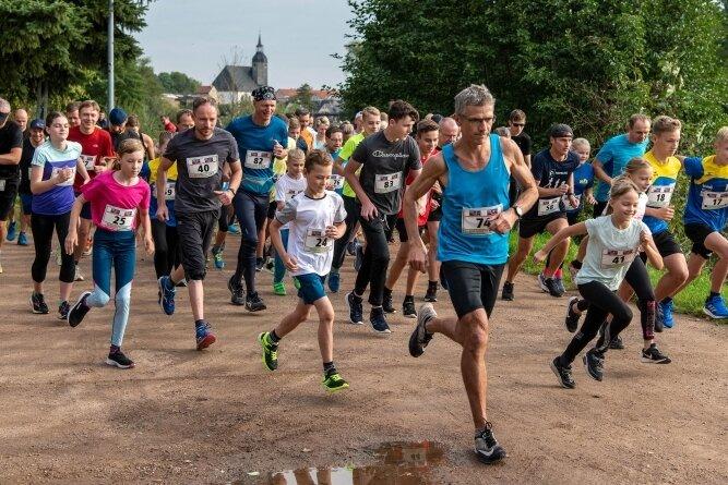 65 Sportler sind beim 42. Rochlitzer Berglauf an den Start gegangen. Sie lobten besonders den familiären Charakter der Veranstaltung.