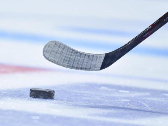 Mit einem abgeklärten Auftritt haben die Eispiraten Crimmitschau in der Deutschen Eishockey Liga 2 (DEL 2) die nächsten drei Punkte eingefahren.