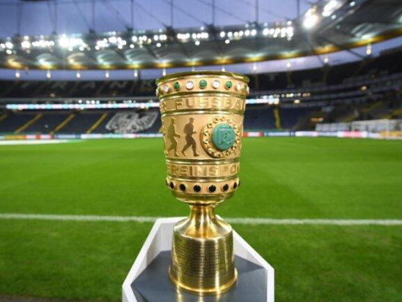 Auch der DFB-Pokal geht in den Geisterspielbetrieb über.