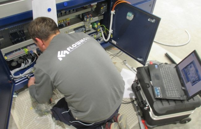 Deutschland: Am Firmensitz in Obergruna werden auch Maschinen für den Transport demontiert beziehungsweise zwischengelagert.