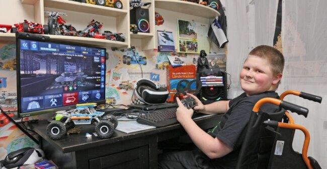 Nico Klötzer spielt wie viele 13-Jährige gern am Computer.
