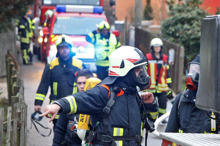 Feuerwehr rückt zu Schornsteinbrand aus